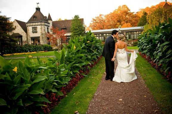 The Garden Wedding: Why It's A Hot Trend