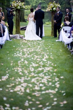 Renewing Wedding Vows Not Just For Celebrity Couples The Manor
