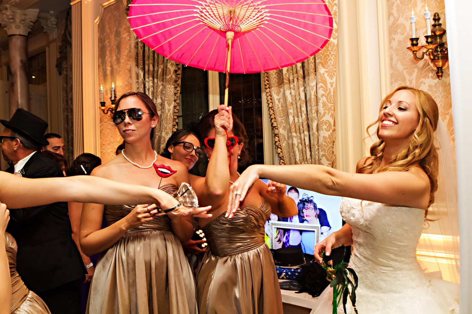 Photo Booth Trends and Tips for Weddings and Parties