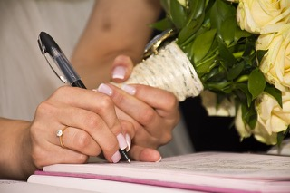 How To Have A Unique Wedding Guest Book